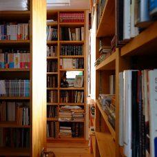 書庫 本棚に仕込んだ 通気窓