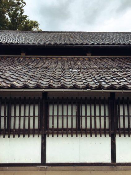 二重構造の屋根。実は三重