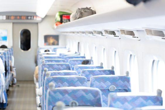 新幹線の自由席、どこに座りますか?
