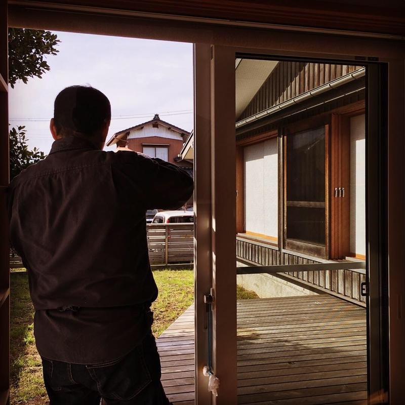 まちなか山荘南側の大開口窓と吉村障子