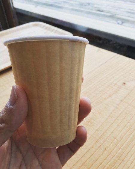 ランプリールの紙コップは断熱コップ