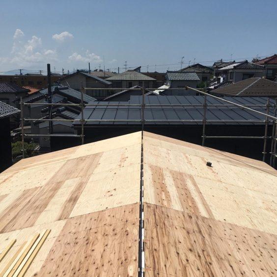 寺尾上のまちなか山荘 屋根パネル(3)